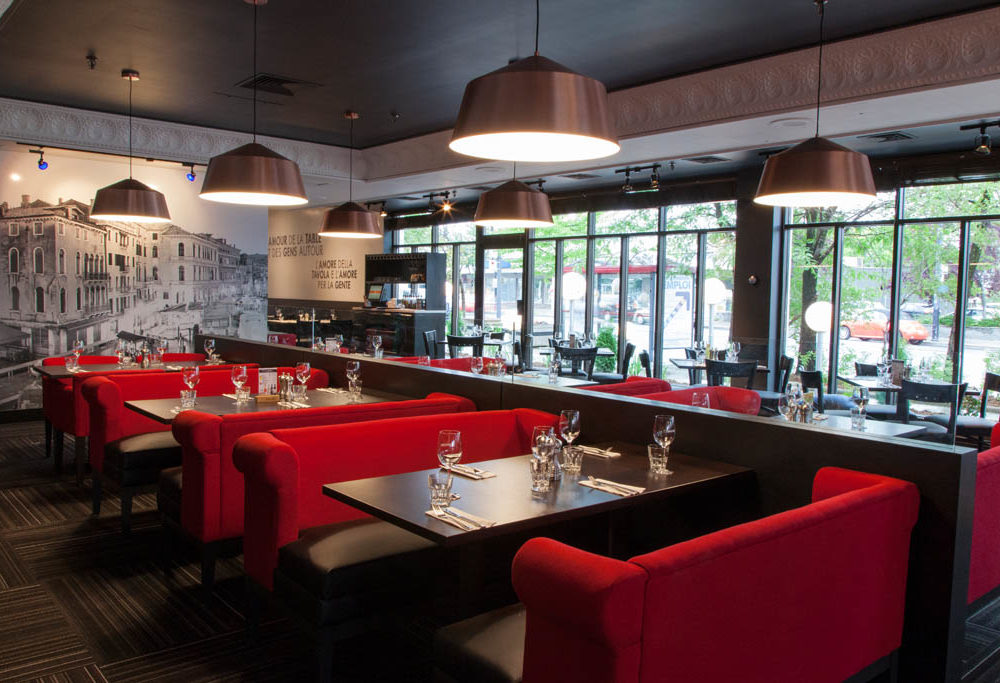 Restaurant italien LONGUEUIL - Banquettes verrière - Canopy Benches - Italian Restaurant