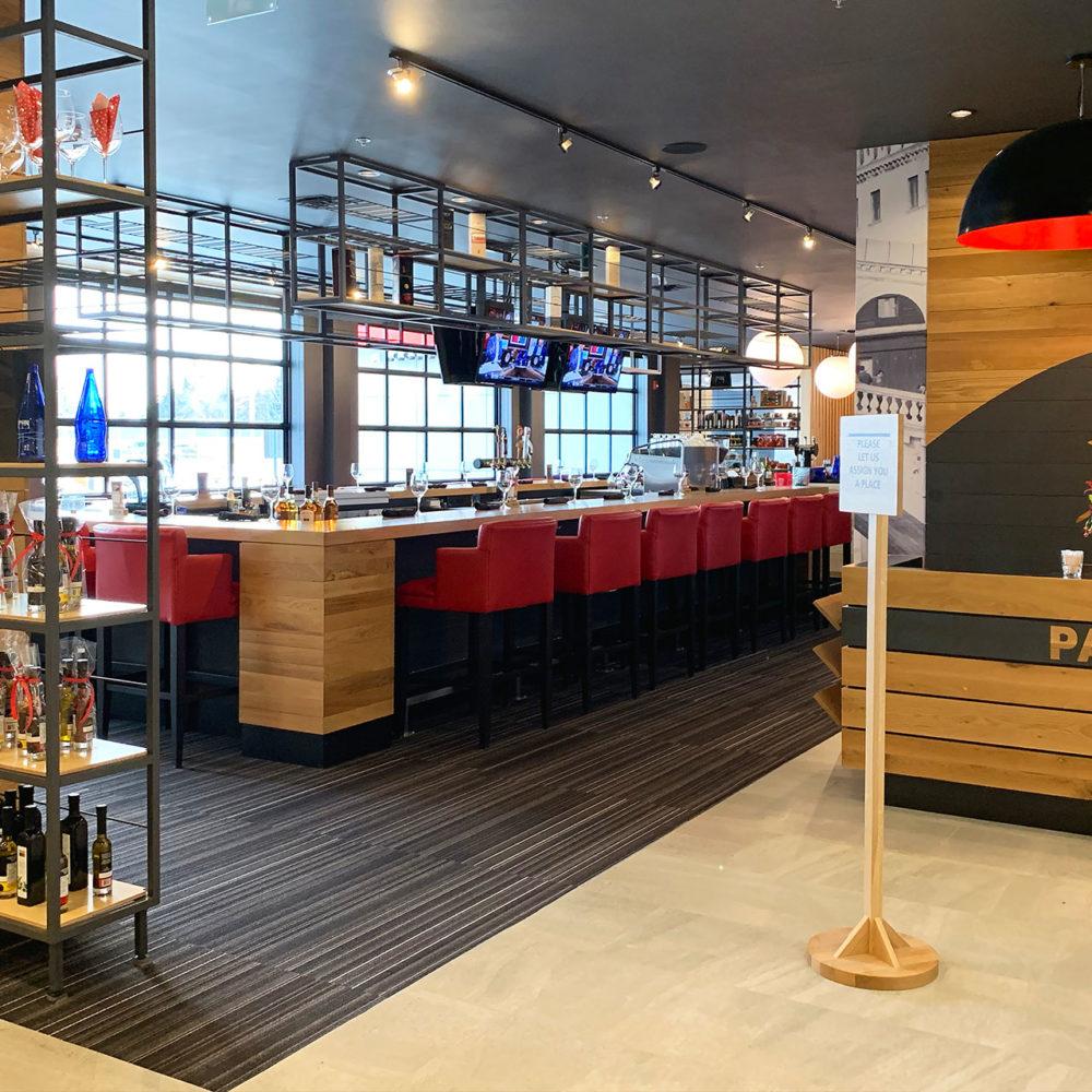 Pacini Italian Restaurant CALGARY SOUTHEAST - Lobby and bar