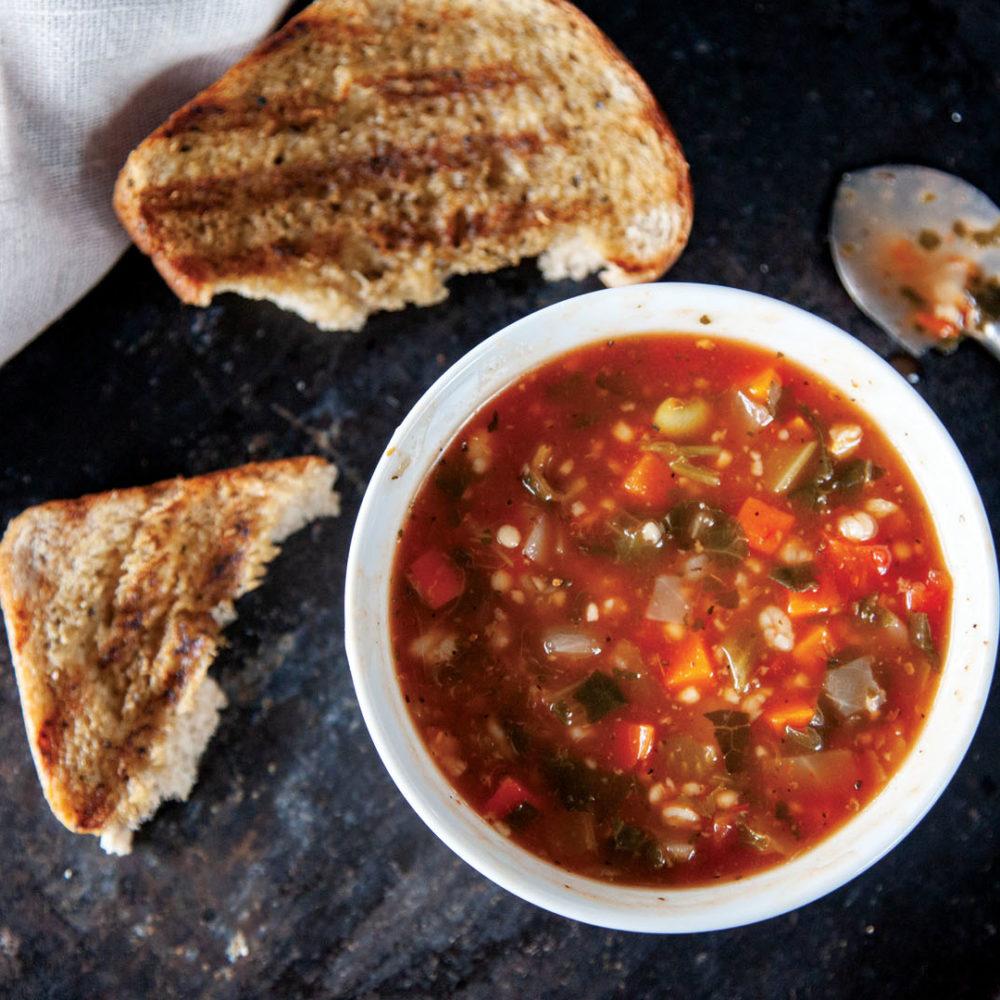 Soupe MINESTRONE Soup - Italian Restaurant
